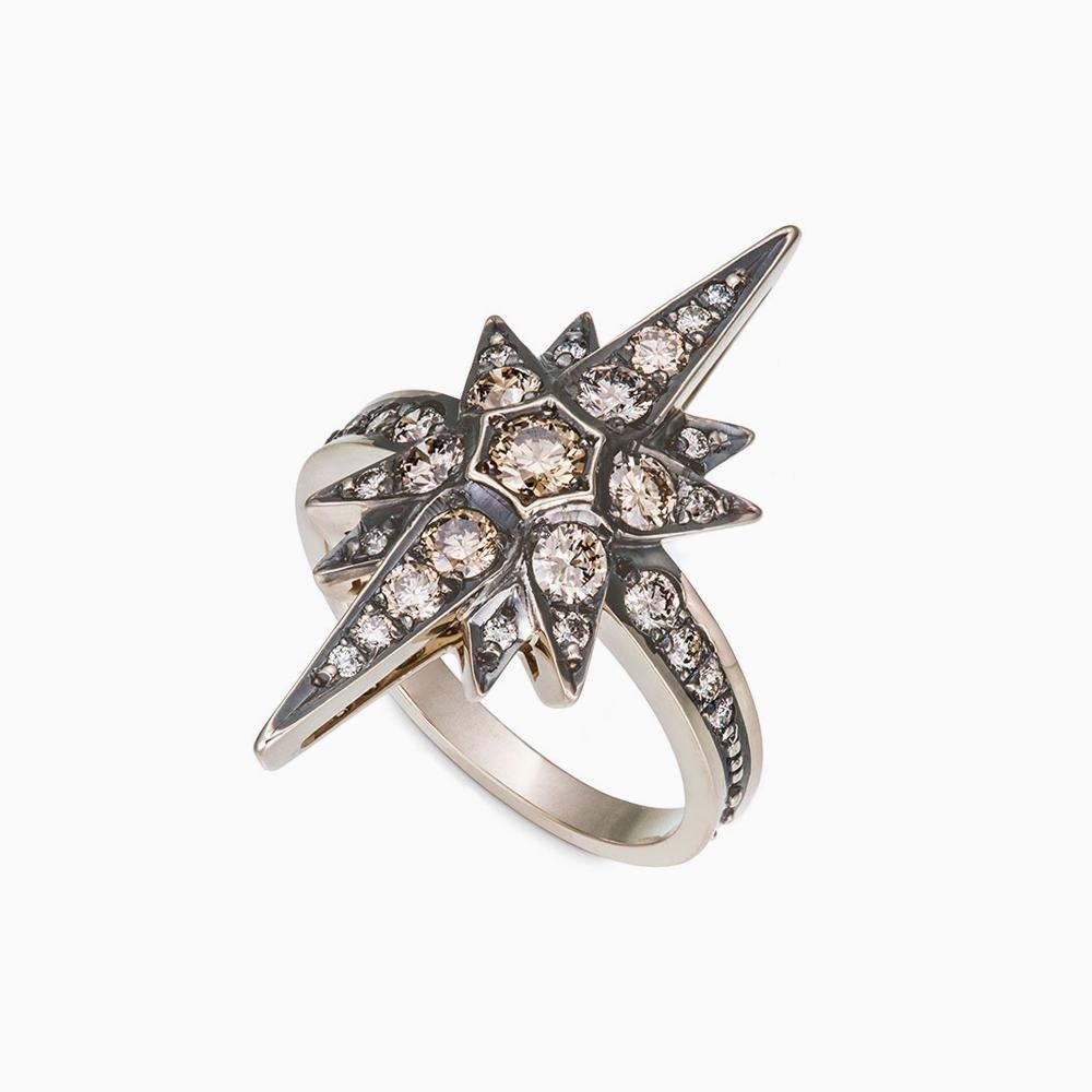 טבעת STARS גדולה בזהב אצילי ויהלומים בצבע קוניאק