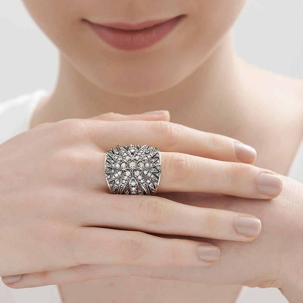 טבעת DECO STARS גדולה בזהב אצילי ויהלומים