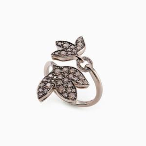 טבעת HERA קטנה בזהב אצילי 18 קראט ויהלומים