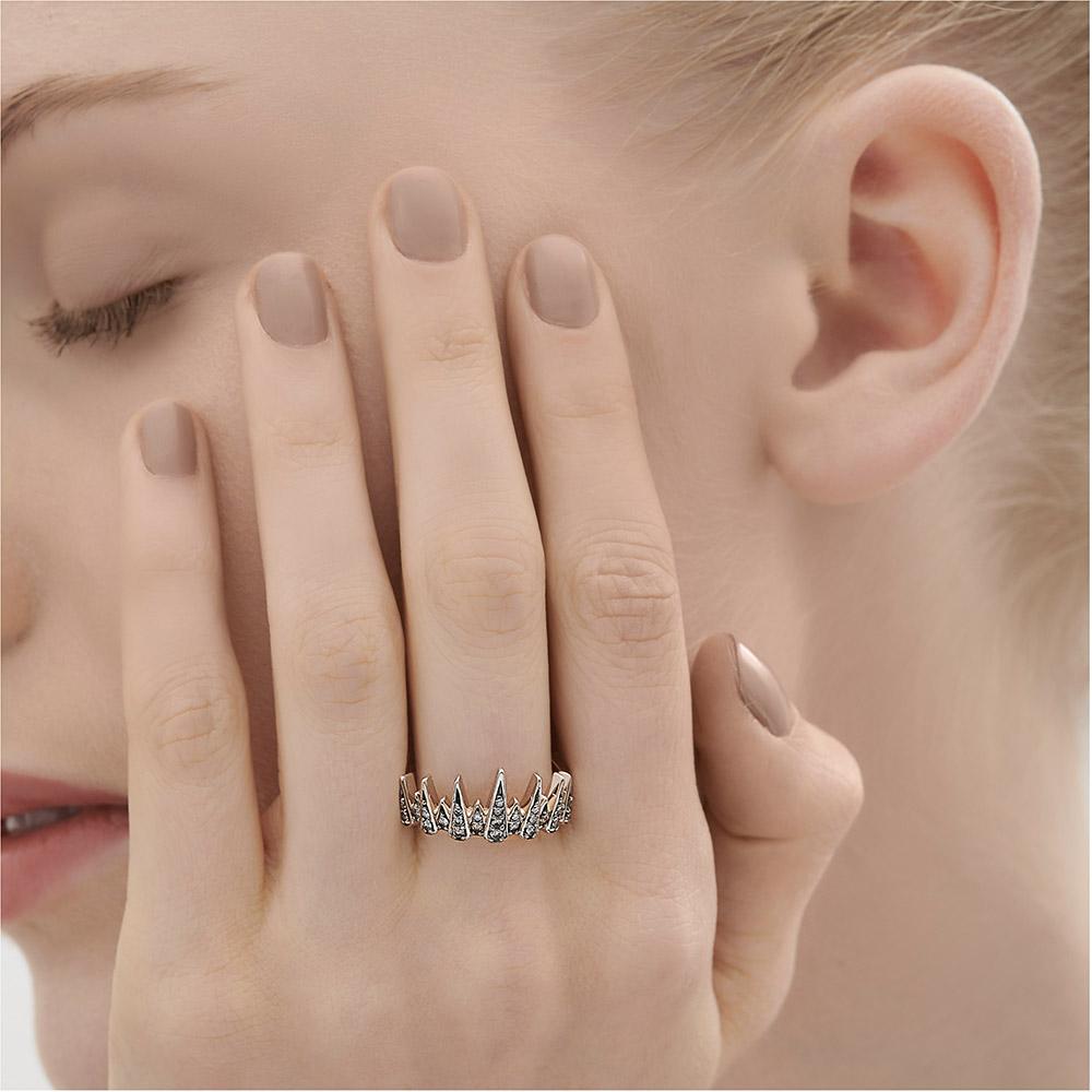 טבעת PEARLS OF GENESIS בזהב אצילי ויהלומים
