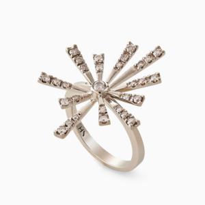 טבעת (Flow(er קטנה בזהב אצילי ויהלומים