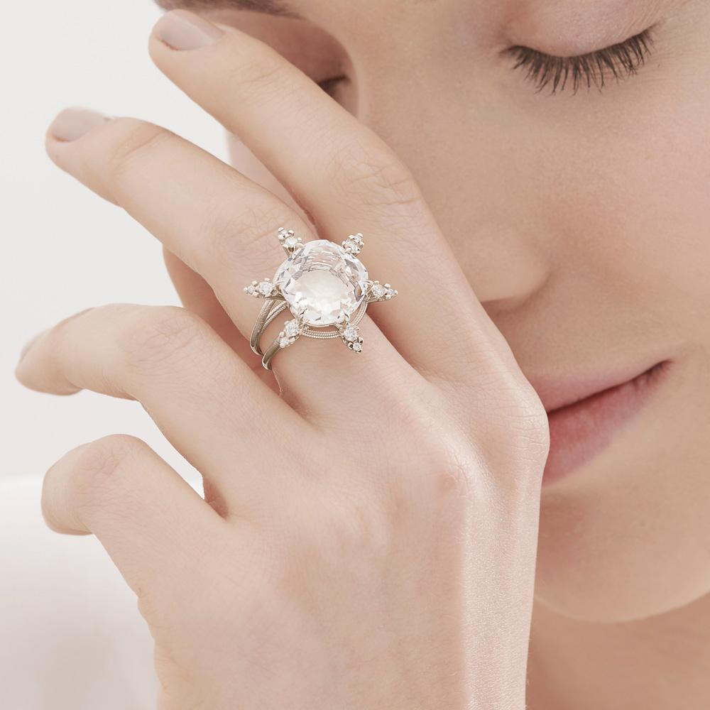 טבעת GRAVITY בזהב אצילי, קריסטל ויהלומים