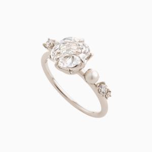 טבעת GRAVITY בזהב אצילי, קריסטל, יהלומים ופנינה