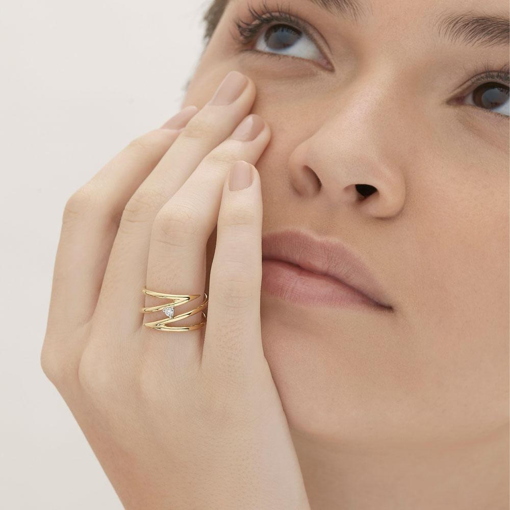 טבעת ספירלה קצרה SIMPLECHIC בזהב צהוב ויהלום