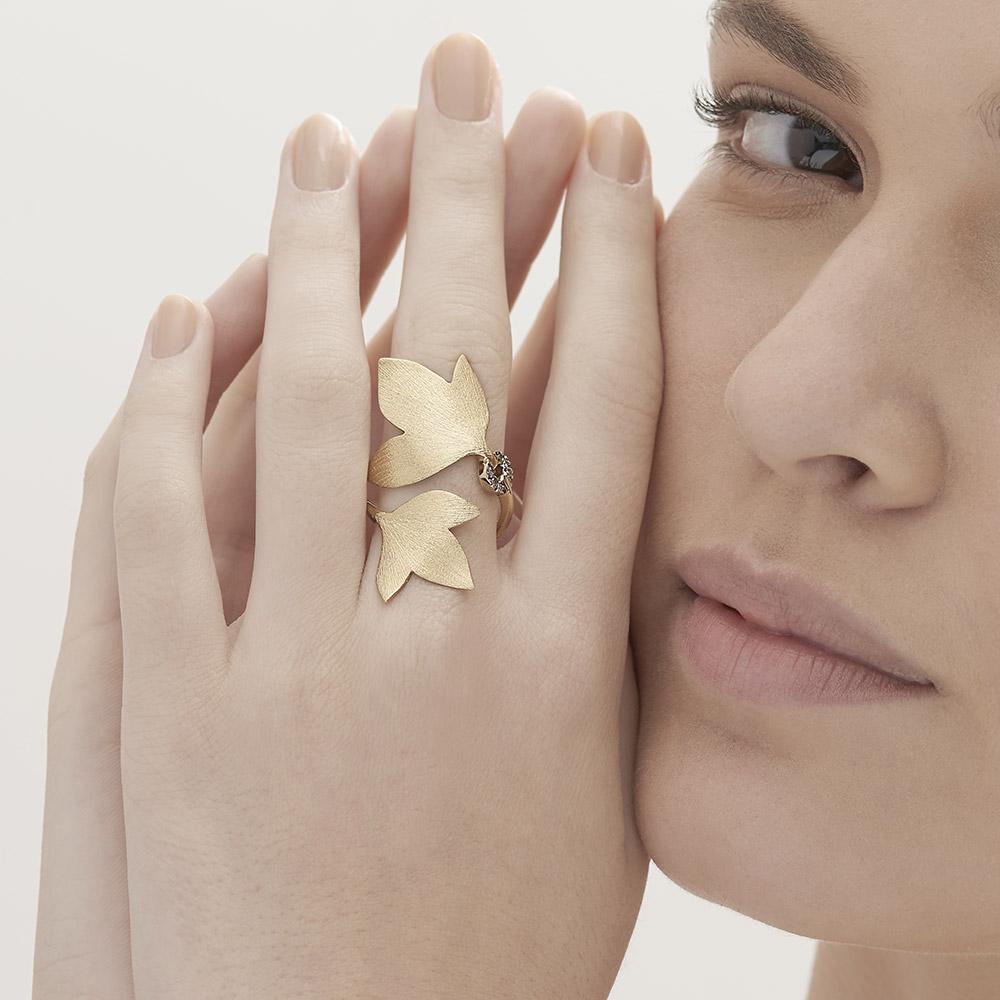 טבעת HERA בינונית בזהב צהוב 18 קראט ויהלומים