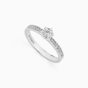 טבעת סוליטייר STERN NOBLE קראט בזהב לבן 0.36 קראט