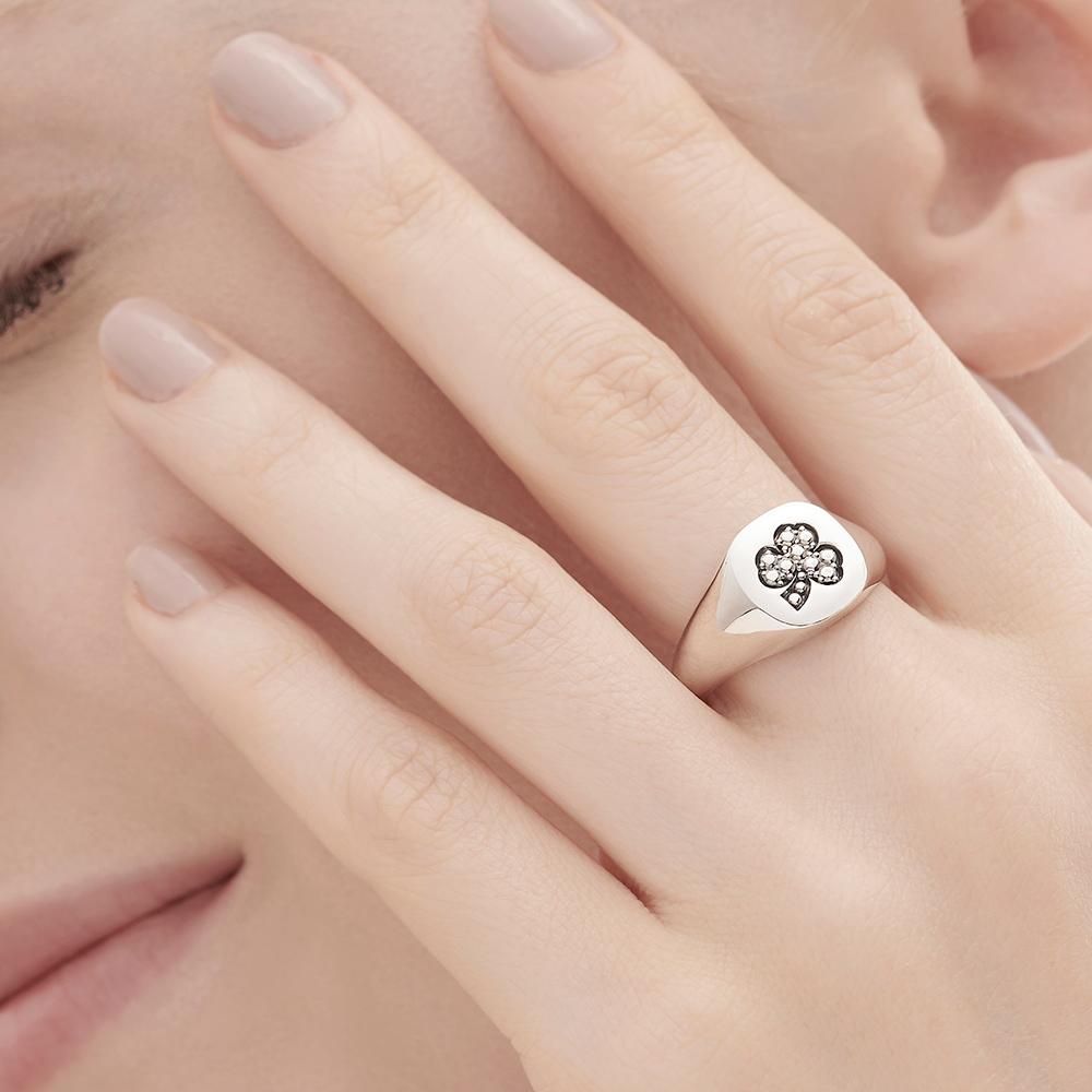 טבעת חותם MYCOLLECTION בכסף סטרלינג