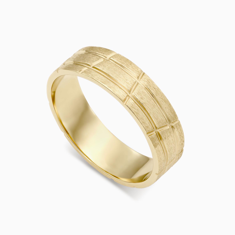 טבעת נישואין בשילוב קווי אינסוף בזהב צהוב
