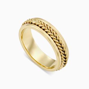 טבעת נישואין בעיטור צמה בזהב צהוב