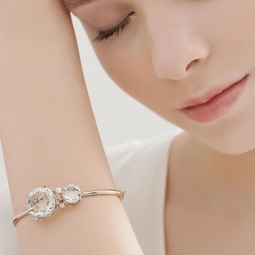 צמיד GRAVITY בזהב אצילי, קריסטל, יהלומים ופנינה